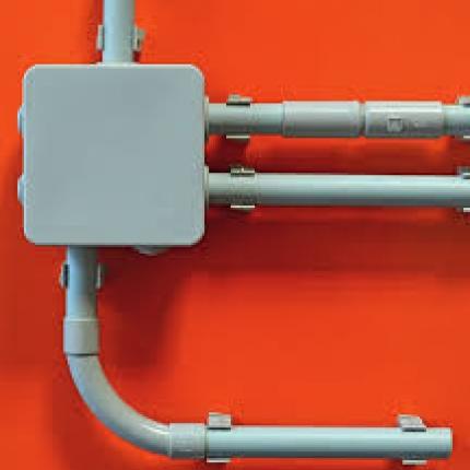 Примеры монтажа аксессуаров для кабельных труб