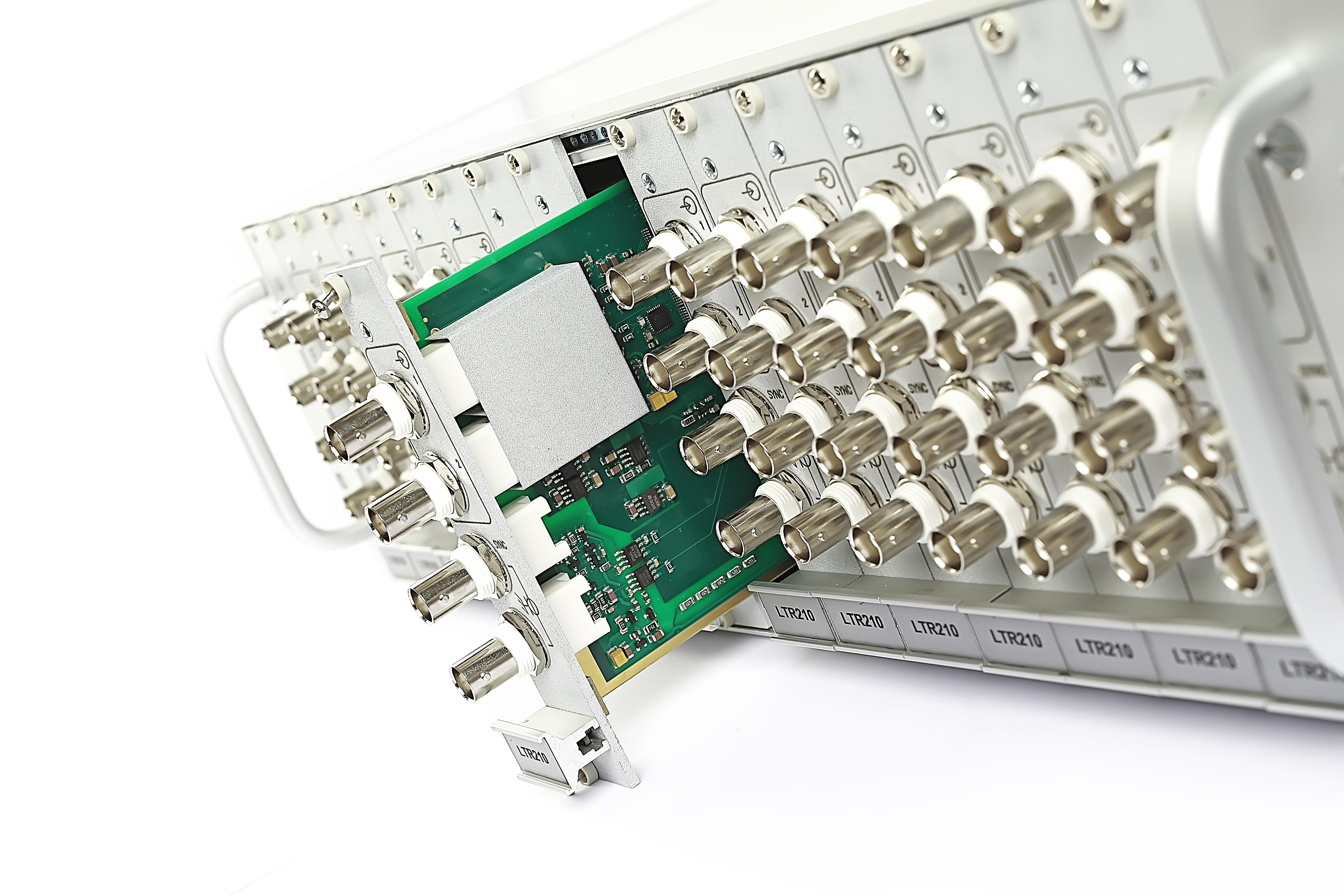 Крейт на 16 модулей LTR-EU-16